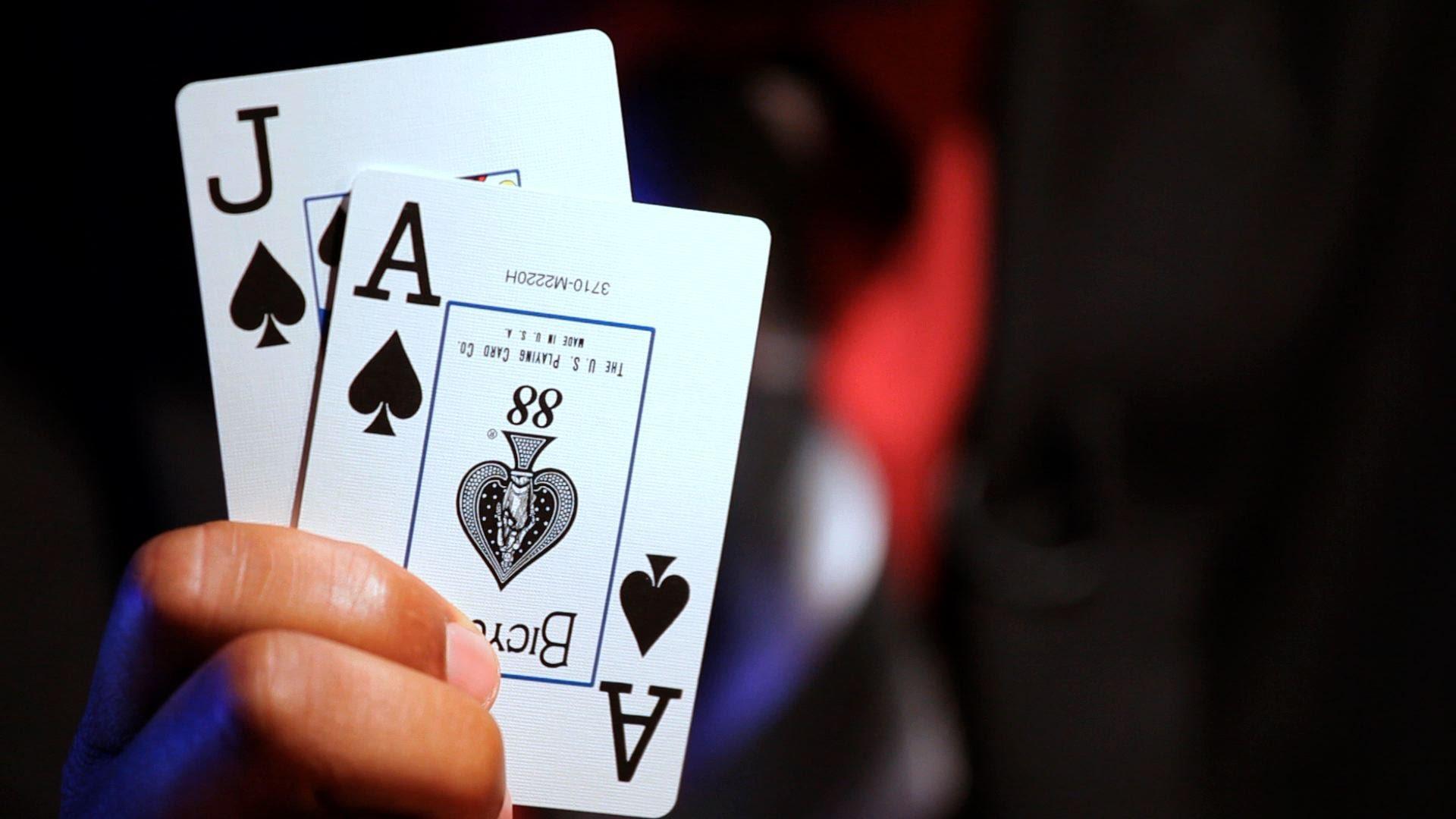 Blackjack : jouer en ligne et gagner